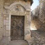 Belles portes du village de Simiane la Rotonde